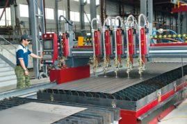 Изготовление металлоконструкций Челябинским заводом профилированного стального настила.