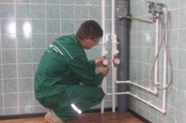 Сделать самому или воспользоваться услугами сантехников, электриков и строителей в Крыму