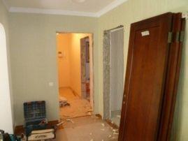 Демонтаж дверей проводится при проведении капитального ремонта