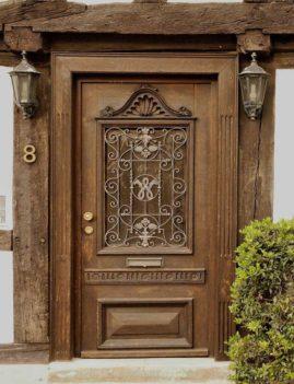 Элитные двери, стилизованные под старину