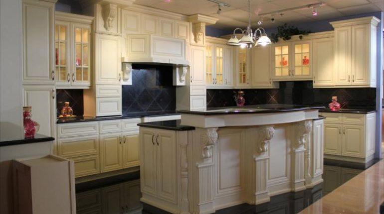 Интерьер для кухни. Как правильно выбрать фасад?