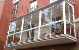 Нюансы при проведении остекления балконов и лоджий